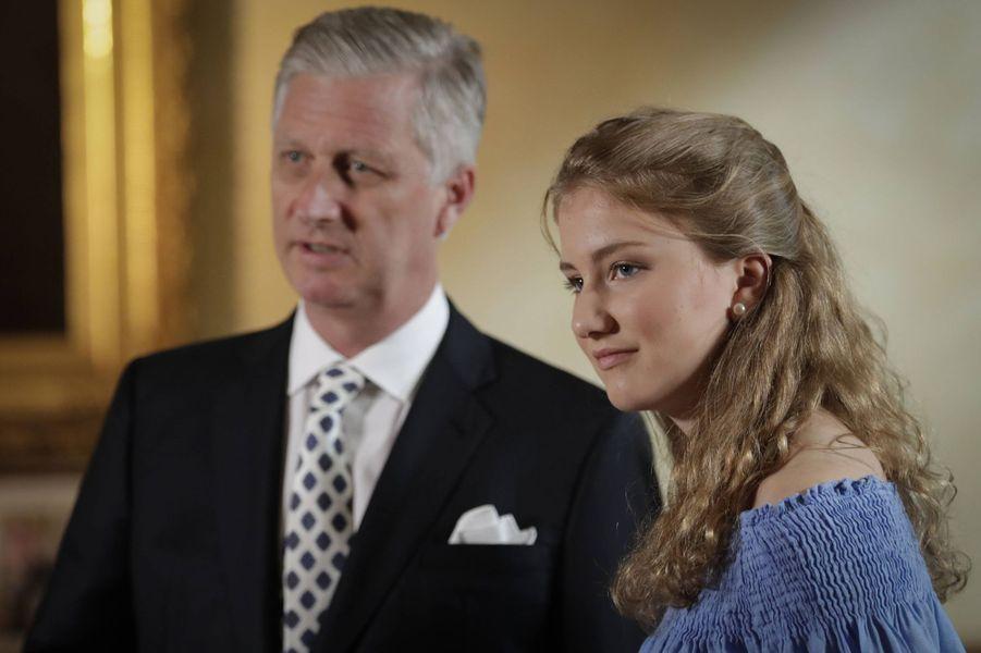 La princesse Elisabeth de Belgique avec son père, le 11 juillet 2019