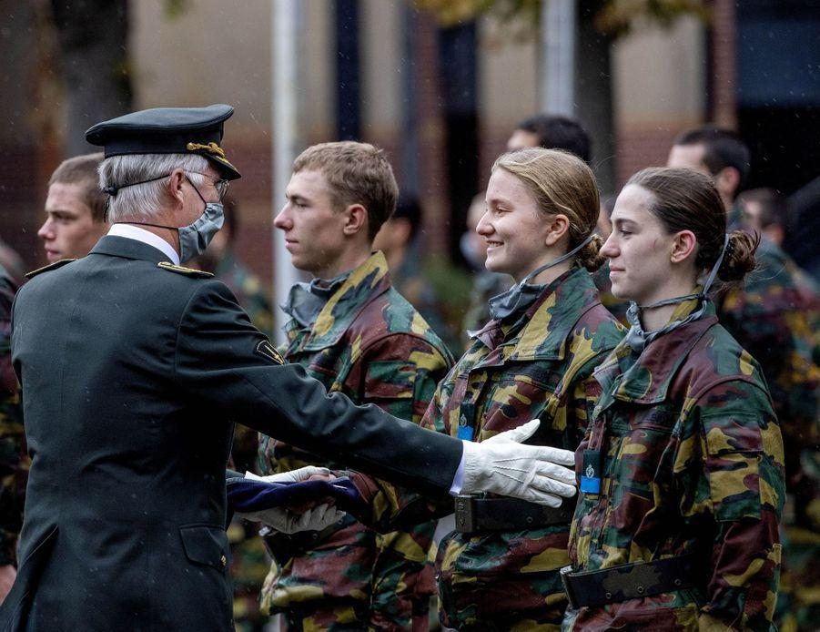 La princesse Elisabeth de Belgique et son père le roi des Belges Philippe à Bruxelles, le 25 septembre 2020
