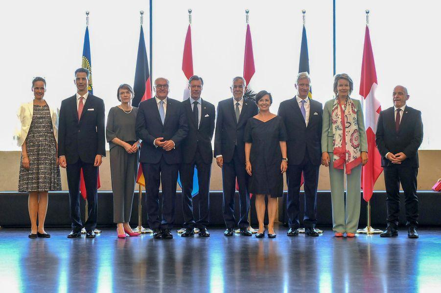 La reine Mathilde et le roi des Belges Philippe avec les chefs d'Etats germanophones et certains de leurs conjoints à Linz, le 4 juin 2019