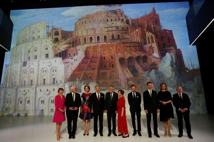 Le couple présidentiel allemand, le couple royal belge, le couple présidentiel autichien, le grand-duc de Luxembourg, le couple princier héritier du Liechtenstein et le président suisse à Linz, le 3 juin 2019