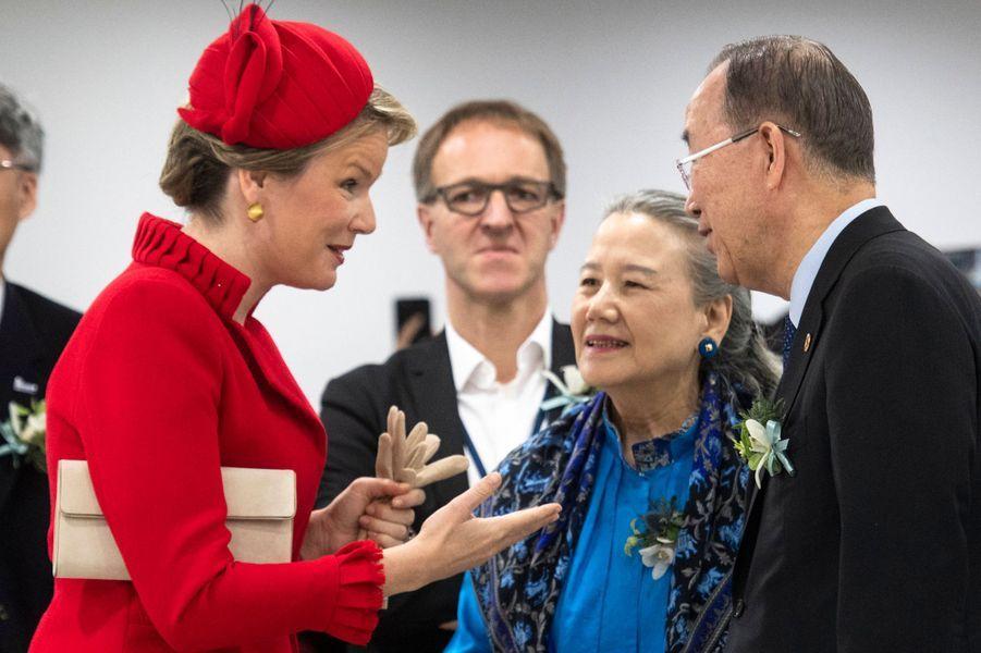 La reine des Belges Mathilde avec Ban Ki-moon et sa femme Yoo Soon-taek à Incheon, le 27 mars 2019