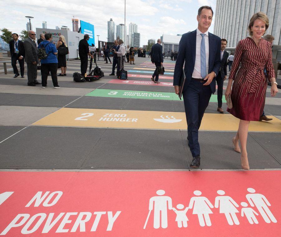 La reine des Belges Mathilde avec le ministre belge Alexander De Croo à New York, le 24 septembre 2019