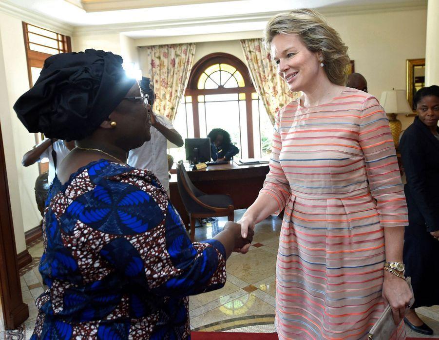 La reine des Belges Mathilde avec Isaura Nyusi, la First Lady du Mozambique, à Maputo le 6 février 2019
