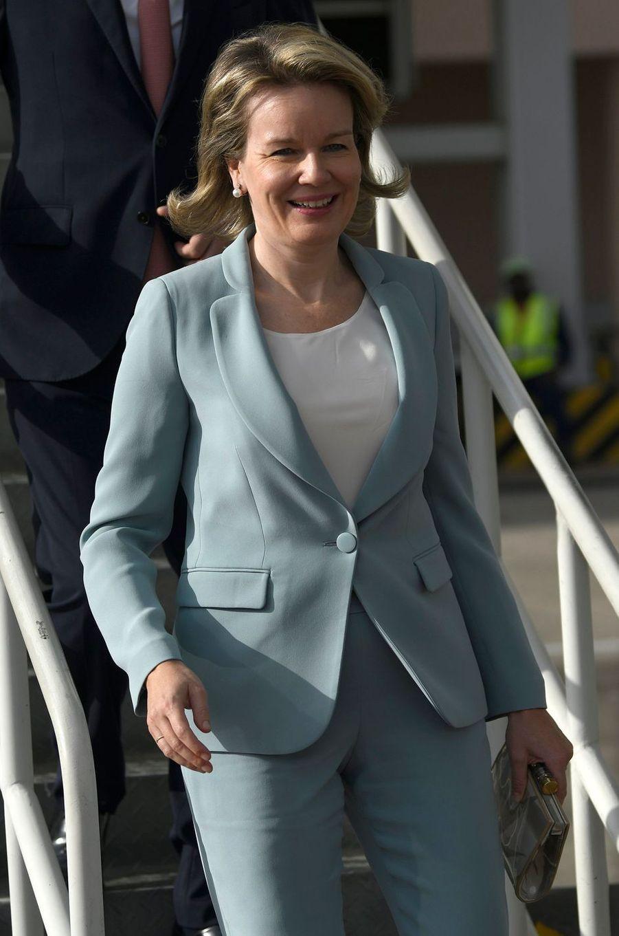 La reine des Belges Mathilde atterrit à Maputo au Mozambique, le 4 février 2019