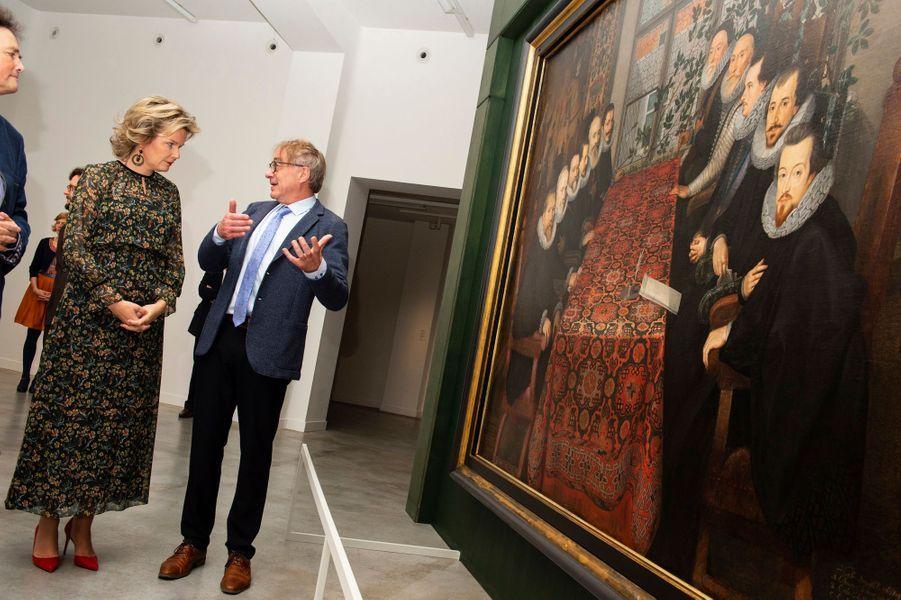 La reine Mathilde de Belgique au M-Museum à Louvain, le 8 novembre 2018