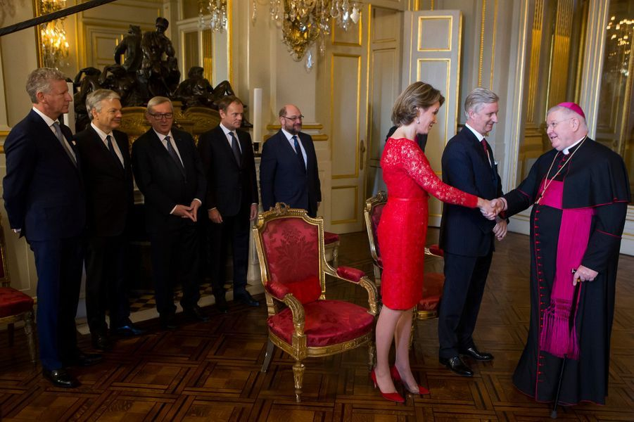 La reine Mathilde avec le roi Philippe de Belgique au Palais royal à Bruxelles, le 12 janvier 2016