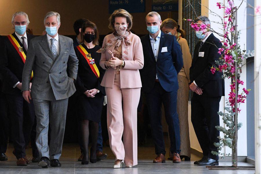 La reine Mathilde, en Natan, et le roi des Belges Philippe à Ypres, le 12 février 2021
