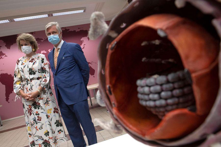 La reine Mathilde et le roi des Belges Philippe à l'Institut de Médecine Tropicale à Anvers, le 23 juin 2020
