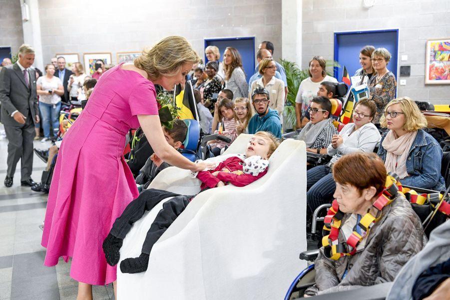 La reine Mathilde et le roi des Belges Philippe à Bienne-Lez-Happart dans le Hainaut, le 5 septembre 2019