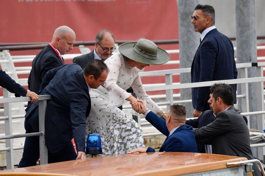 La reine des Belges Mathilde embarque sur un bateau à Venise, le 6 septembre 2019