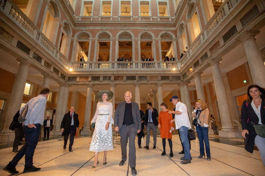 La reine des Belges Mathilde avec Luc Tuymans à Venise, le 6 septembre 2019