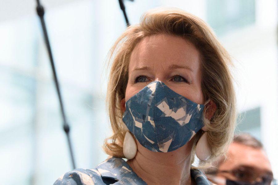 La reine des Belges Mathilde, masquée, à Bruxelles le 8 septembre 2020