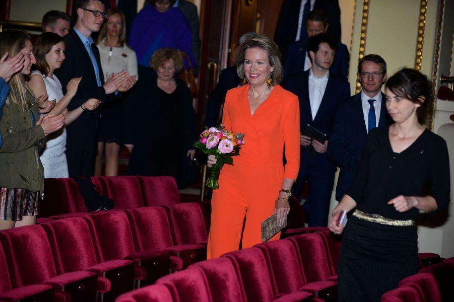 La reine Mathilde de Belgique au stadsschouwburg Leuven, le 17 avril 2018