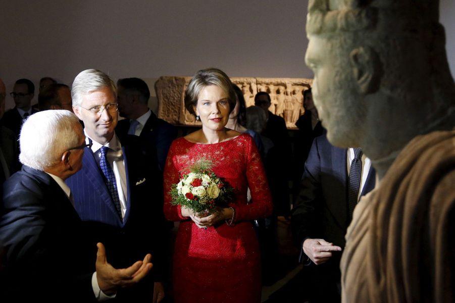 La reine Mathilde et le roi Philippe de Belgique au Bozar à Bruxelles, le 6 octobre 2015