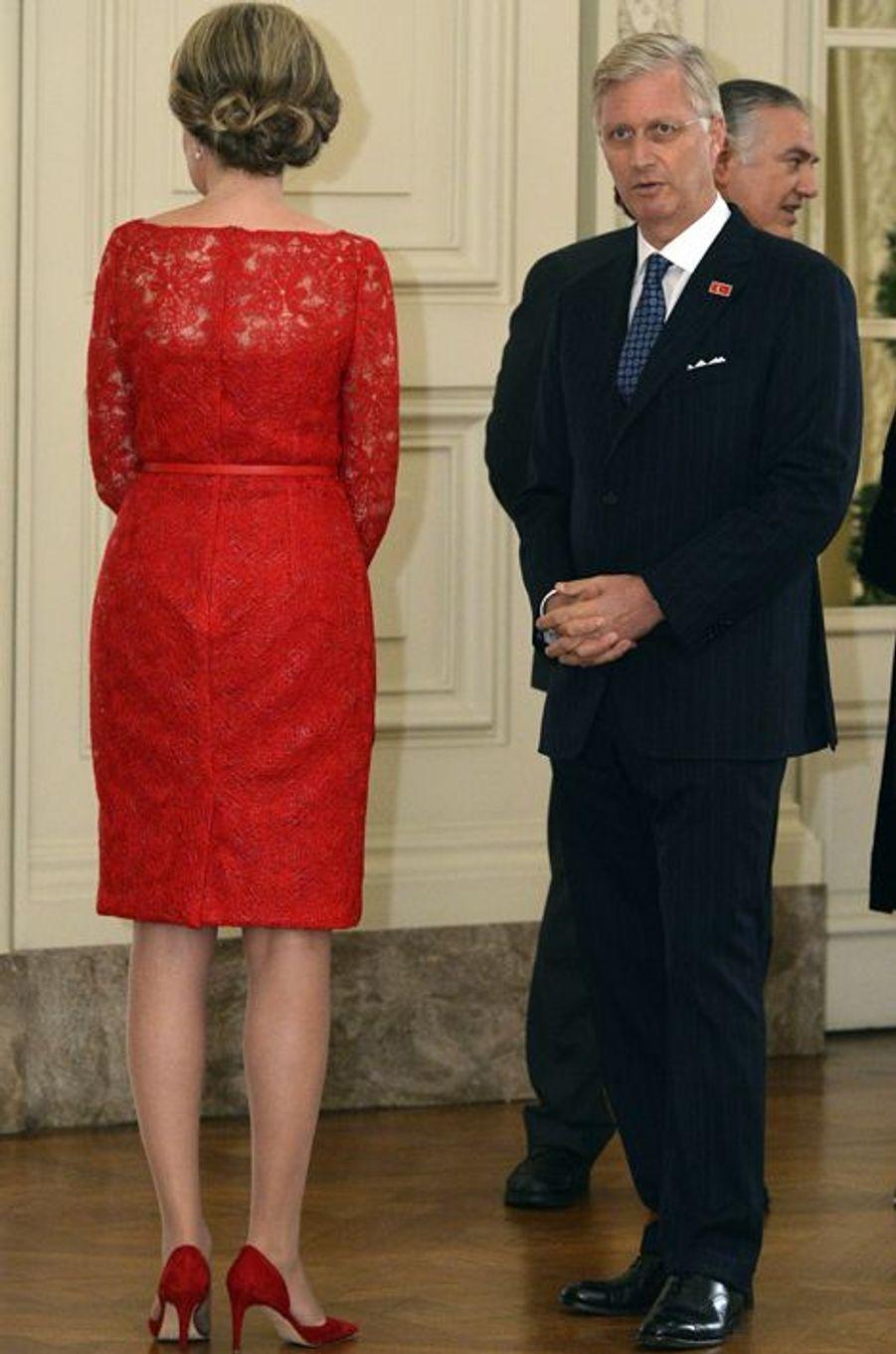 La reine Mathilde et le roi Philippe de Belgique au château de Laeken à Bruxelles, le 6 octobre 2015
