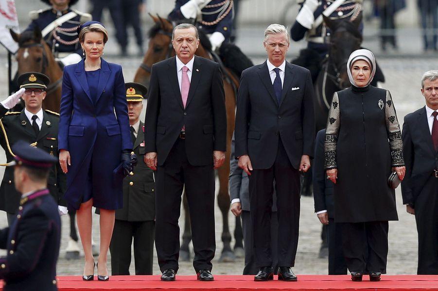 La reine Mathilde et le roi Philippe de Belgique, avec le président turc et sa femme à Bruxelles, le 5 octobre 2015