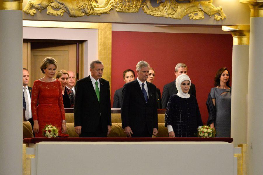 La reine Mathilde et le roi Philippe de Belgique lancent Europalia avec le président turc et sa femme à Bruxelles, le 6 octobre 2015
