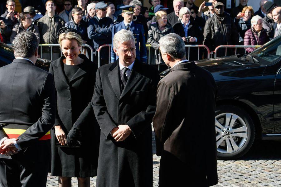 La reine Mathilde et le roi des Belges Philippe arrivent pour les obsèques du cardinal Danneels à Malines, le 22 mars 2019