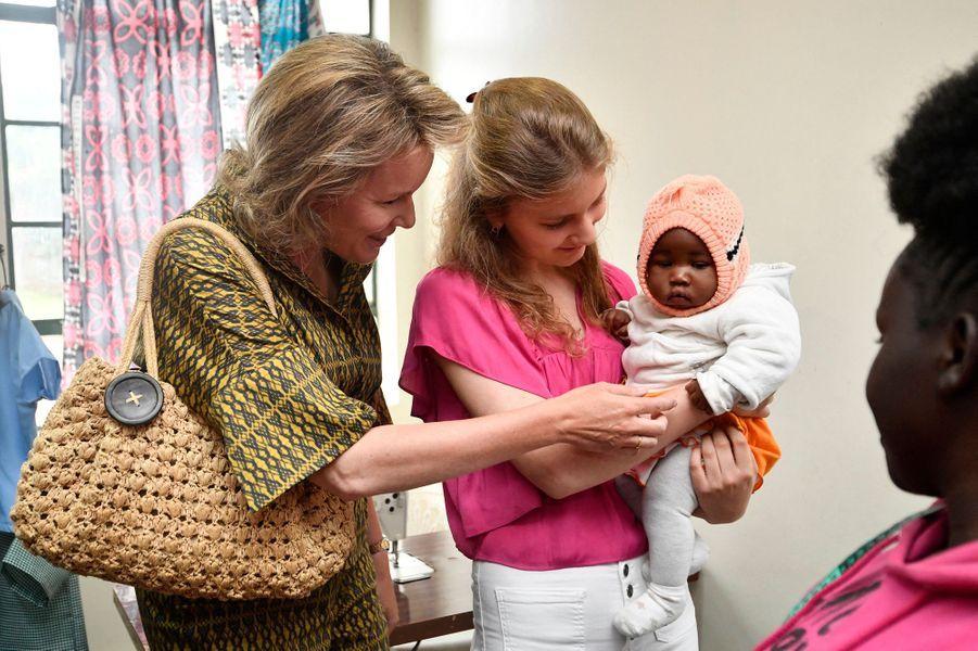 La reine des Belges Mathilde et la princesse Elisabeth de Belgique au Kenya, le 26 juin 2019