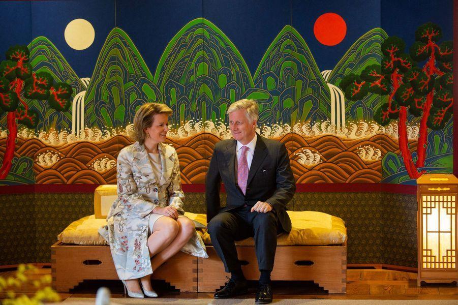 La reine Mathilde et le roi des Belges Philippe à Séoul en Corée du Sud, le 25 mars 2019