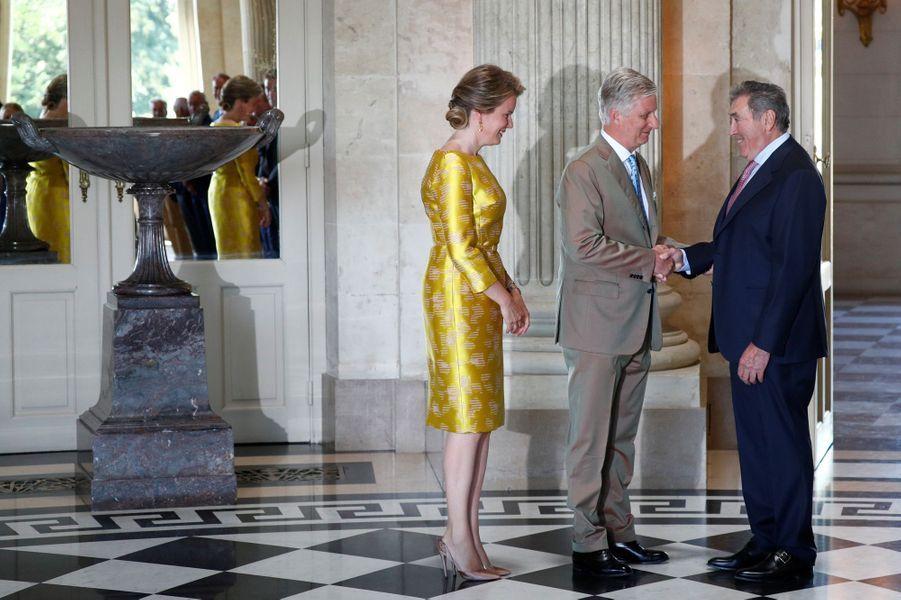 La reine Mathilde et le roi des Belges Philippe avec Eddy Merckx à Bruxelles, le 5 juillet 2019