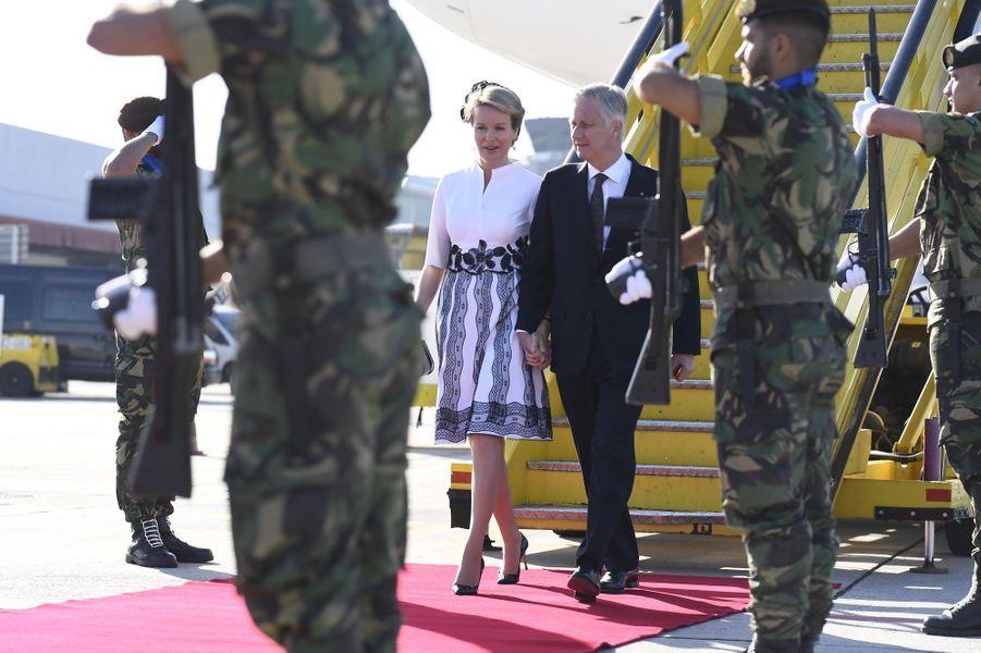 La reine Mathilde et le roi des Belges Philippe arrivent à Porto, le 24 octobre 2018