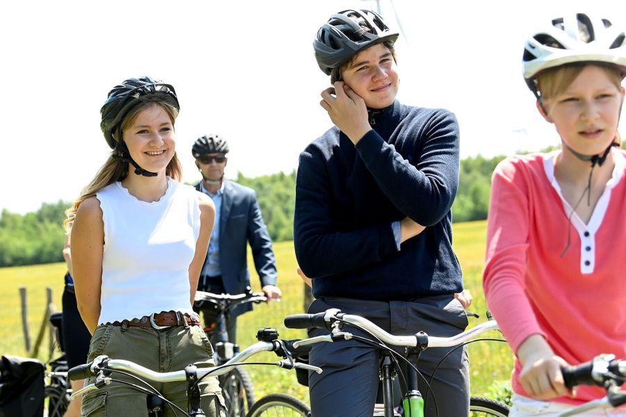 Les princesses Elisabeth et Eléonore et le prince Gabriel de Belgique à Bokrijk, le 27 juin 2020