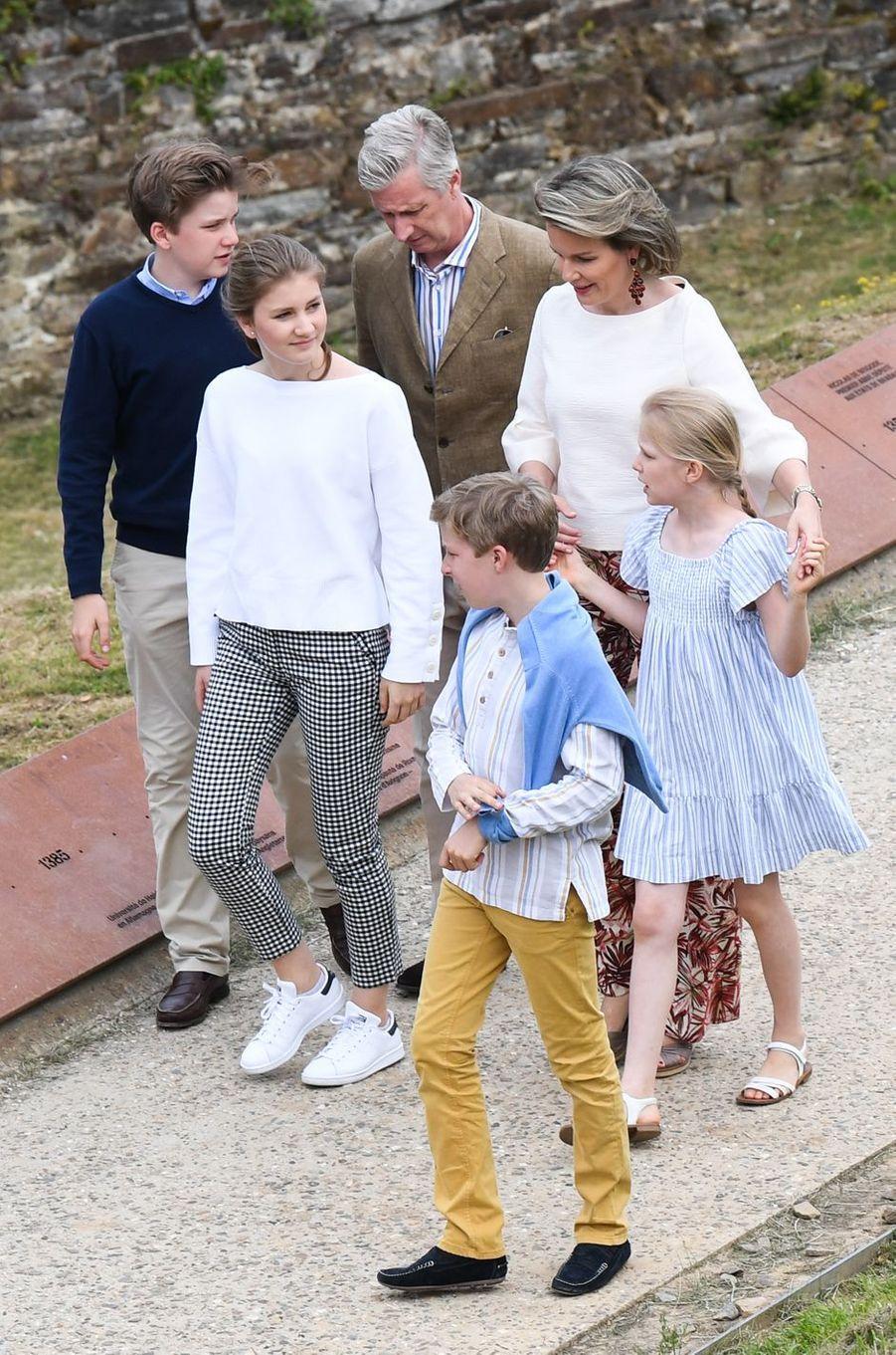 La reine Mathilde et le roi des Belges Philippe avec leurs enfants à Villers-la-Ville, le 24 juin 2018