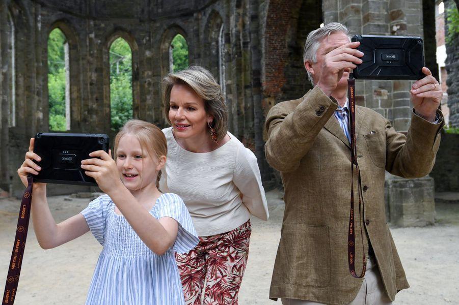 La reine Mathilde et le roi des Belges Philippe avec la princesse Eléonore à Villers-la-Ville, le 24 juin 2018