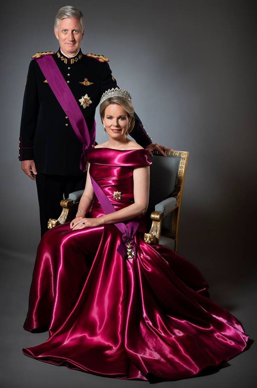 Nouveau portrait officiel de la reine Mathilde et du roi des Belges Philippe, dévoilé le 15 novembre 2018