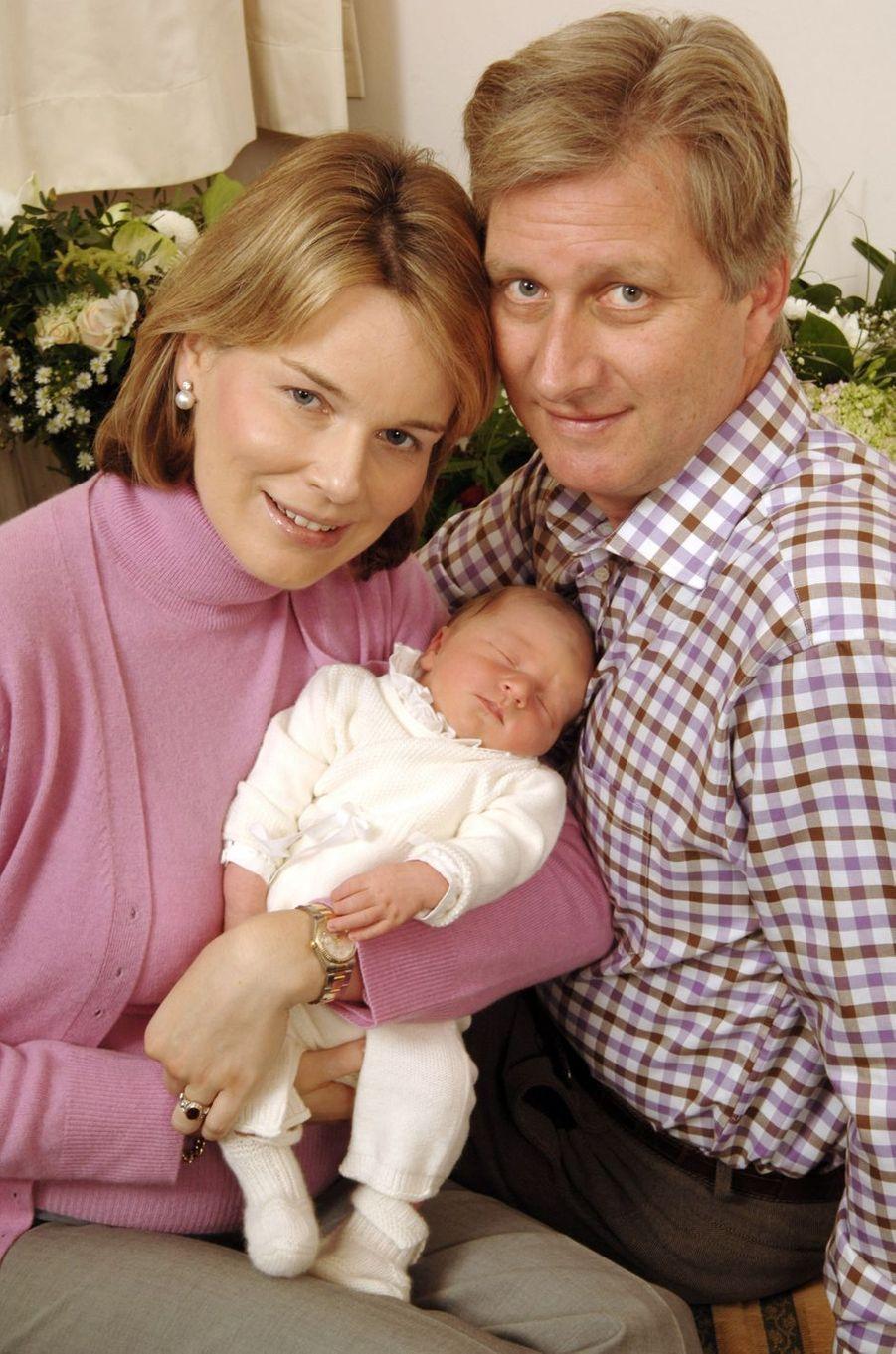 Le prince Emmanuel de Belgique avec ses parents, le 6 octobre 2005