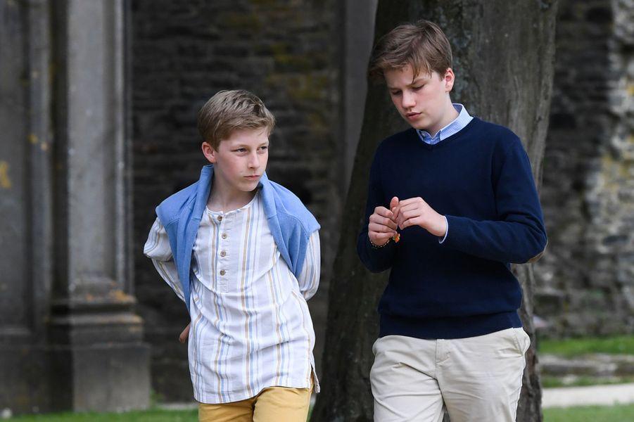 Le prince Emmanuel de Belgique avec son grand frère le prince Gabriel, le 24 juin 2018