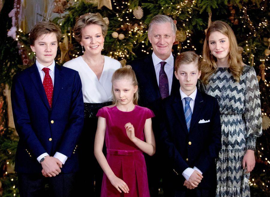 Le prince Emmanuel de Belgique avec ses parents, ses sœurs et son frère, le 19 décembre 2018