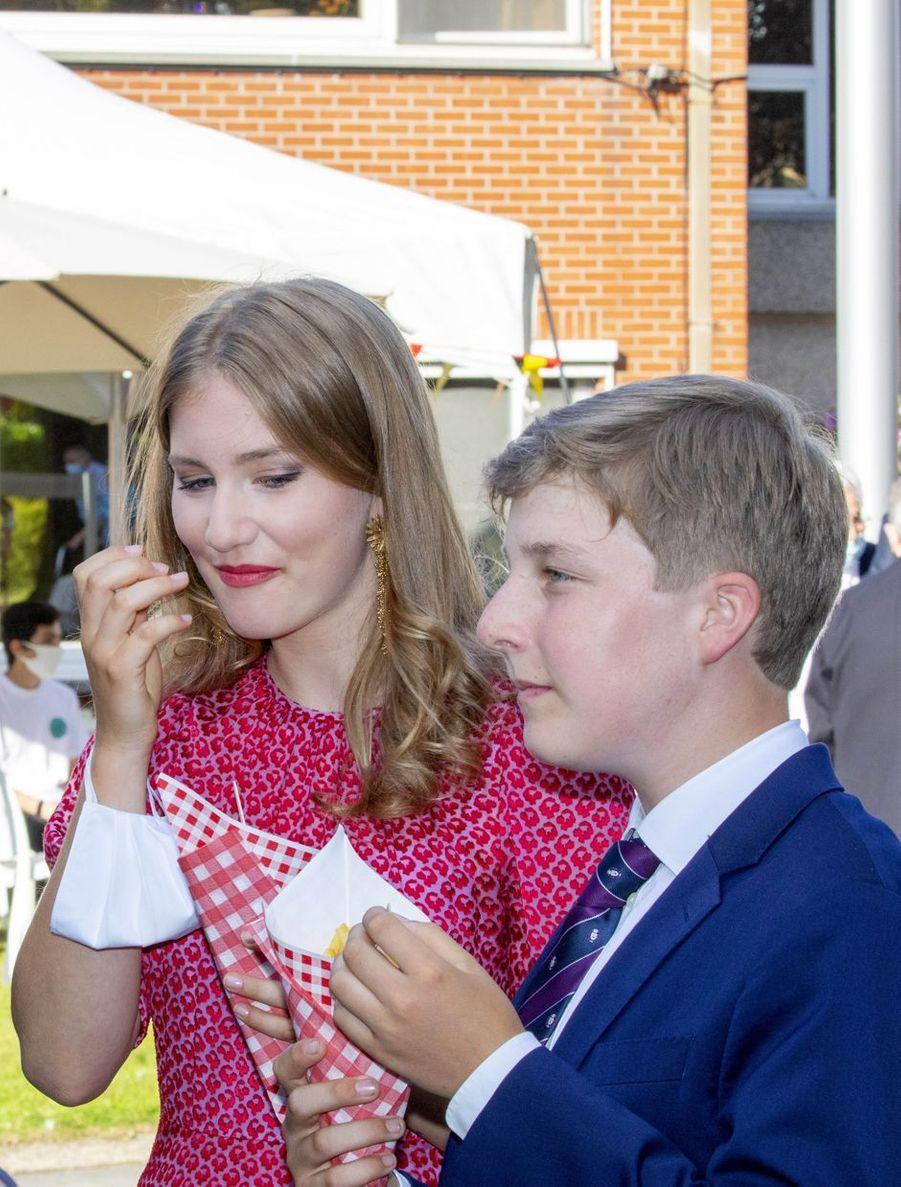 Le prince Emmanuel de Belgique avec sa sœur aînée la princesse Elisabeth, le 21 juillet 2020