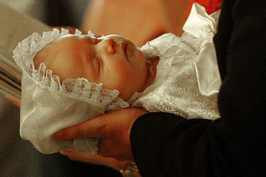 Le prince Gabriel de Belgique, le jour de son baptême, le 25 octobre 2003