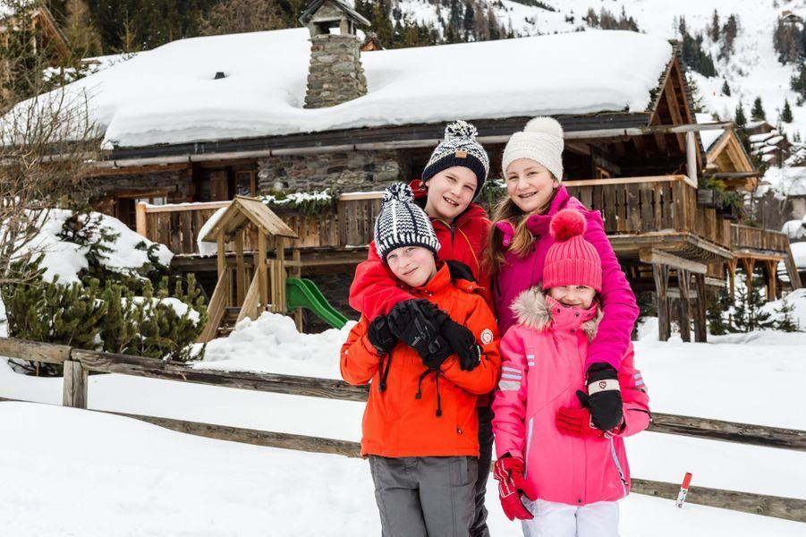 Le prince Gabriel de Belgique avec ses soeurs et son frère, le 8 février 2016
