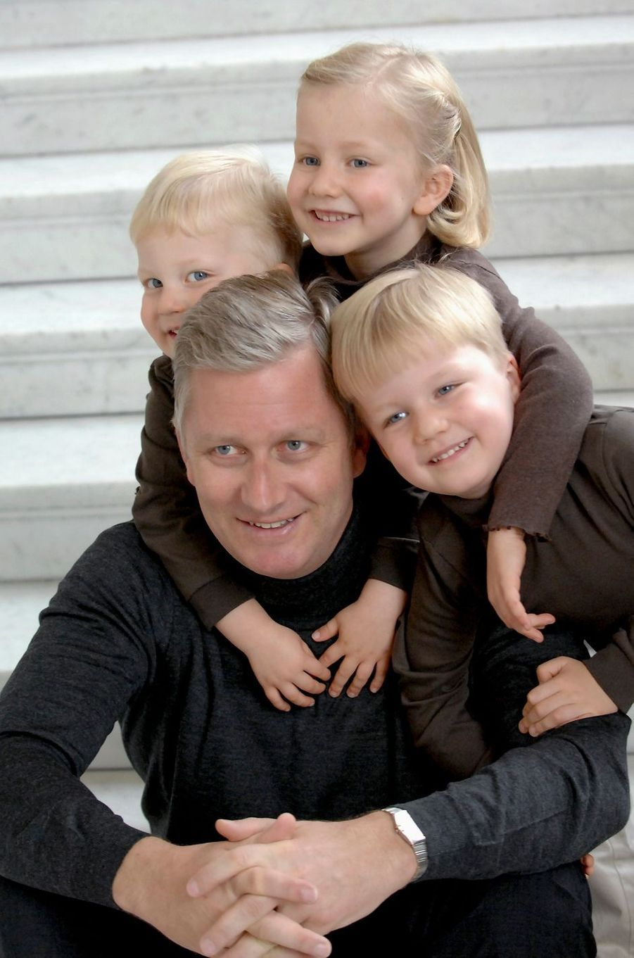 Le prince Gabriel de Belgique avec les princes Philippe et Emmanuel et la princesse Elisabeth, le 13 octobre 2007