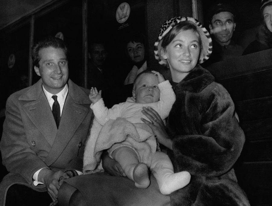 Le prince Philippe de Belgique avec ses parents en 1961
