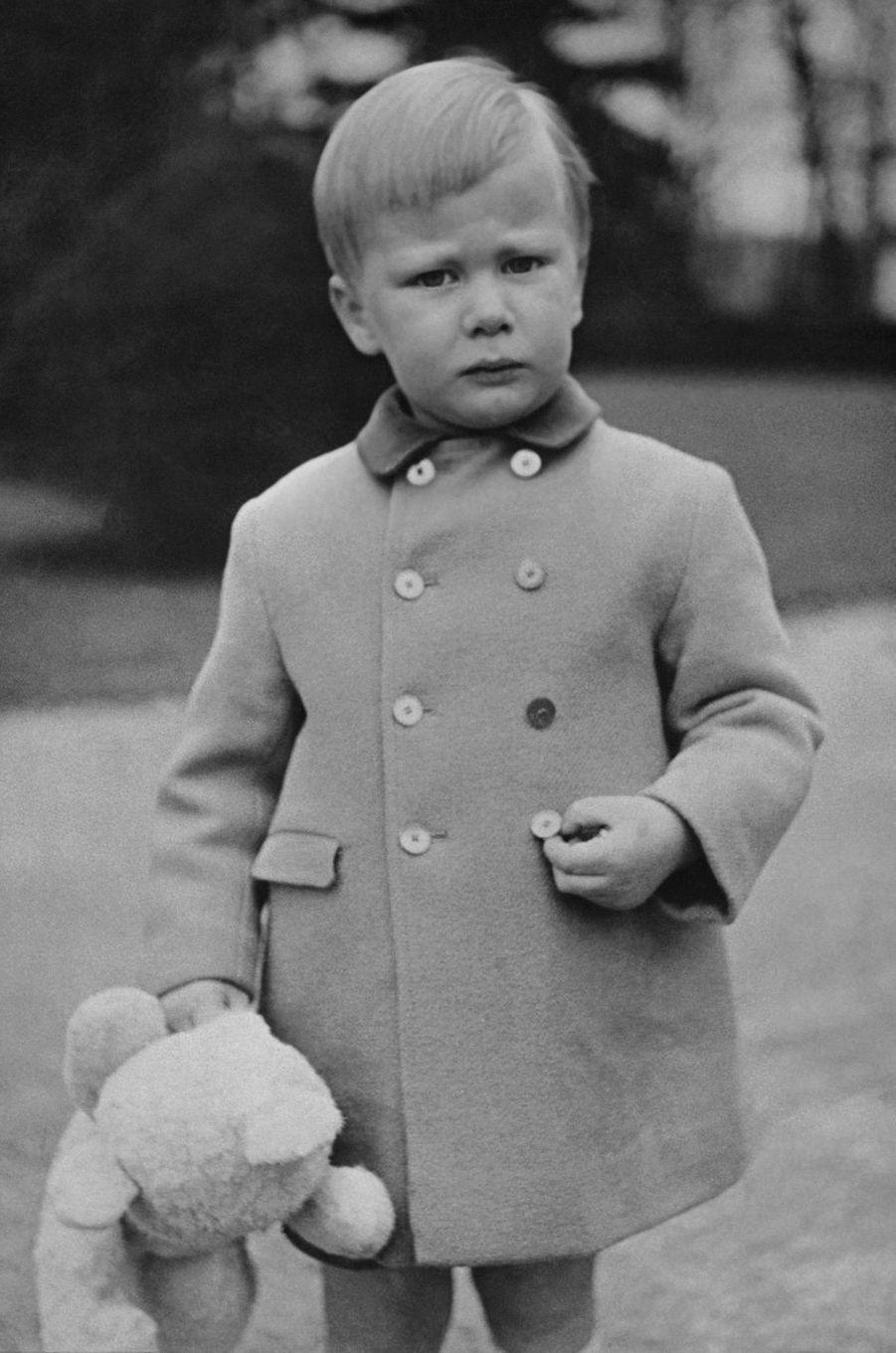 Le prince Philippe de Belgique. Photo pour ses 4 ans le 15 avril 1964