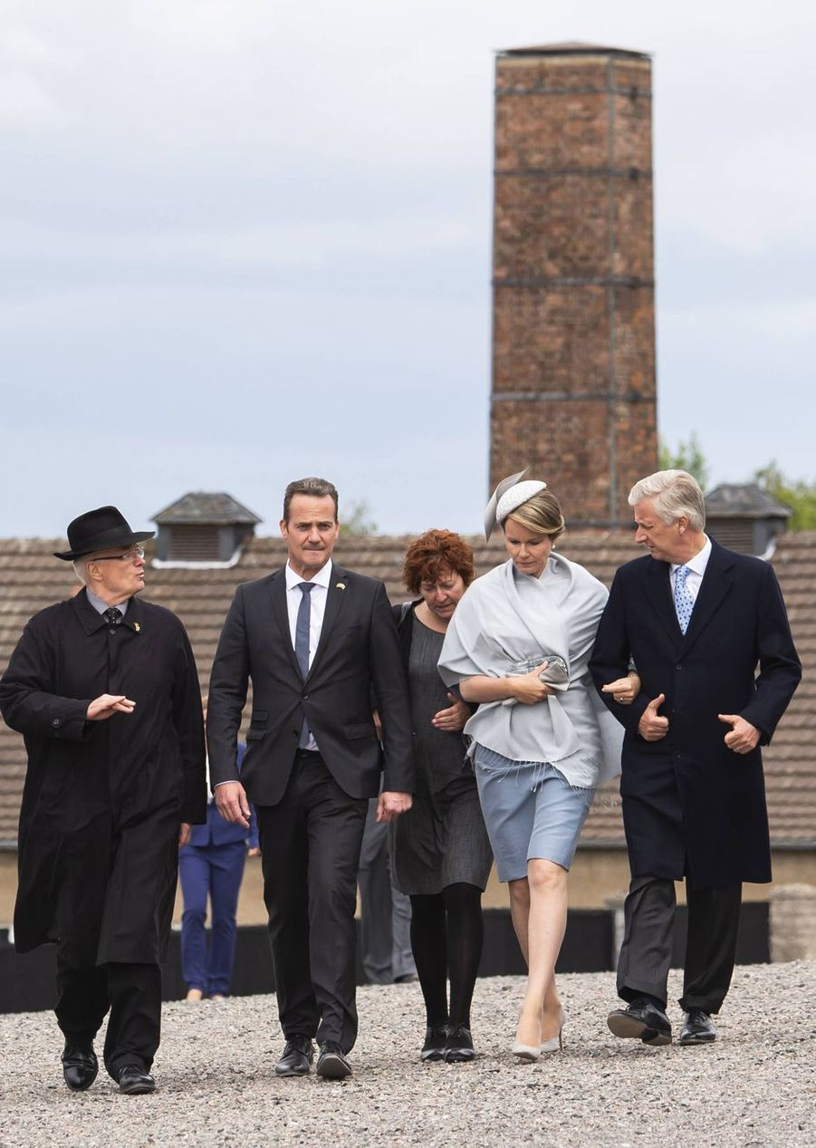 La reine Mathilde et le roi des Belges Philippe dans le camp de Buchenwald, le 9 juillet 2019