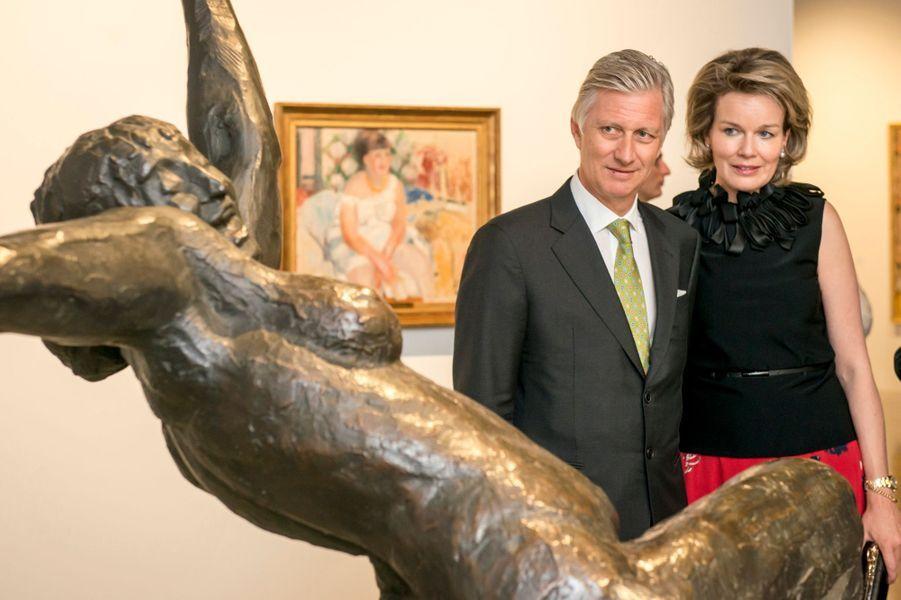 La reine Mathilde et le roi Philippe de Belgique découvrent l'exposition Rik Wouters à Bruxelles, le 27 avril 2017