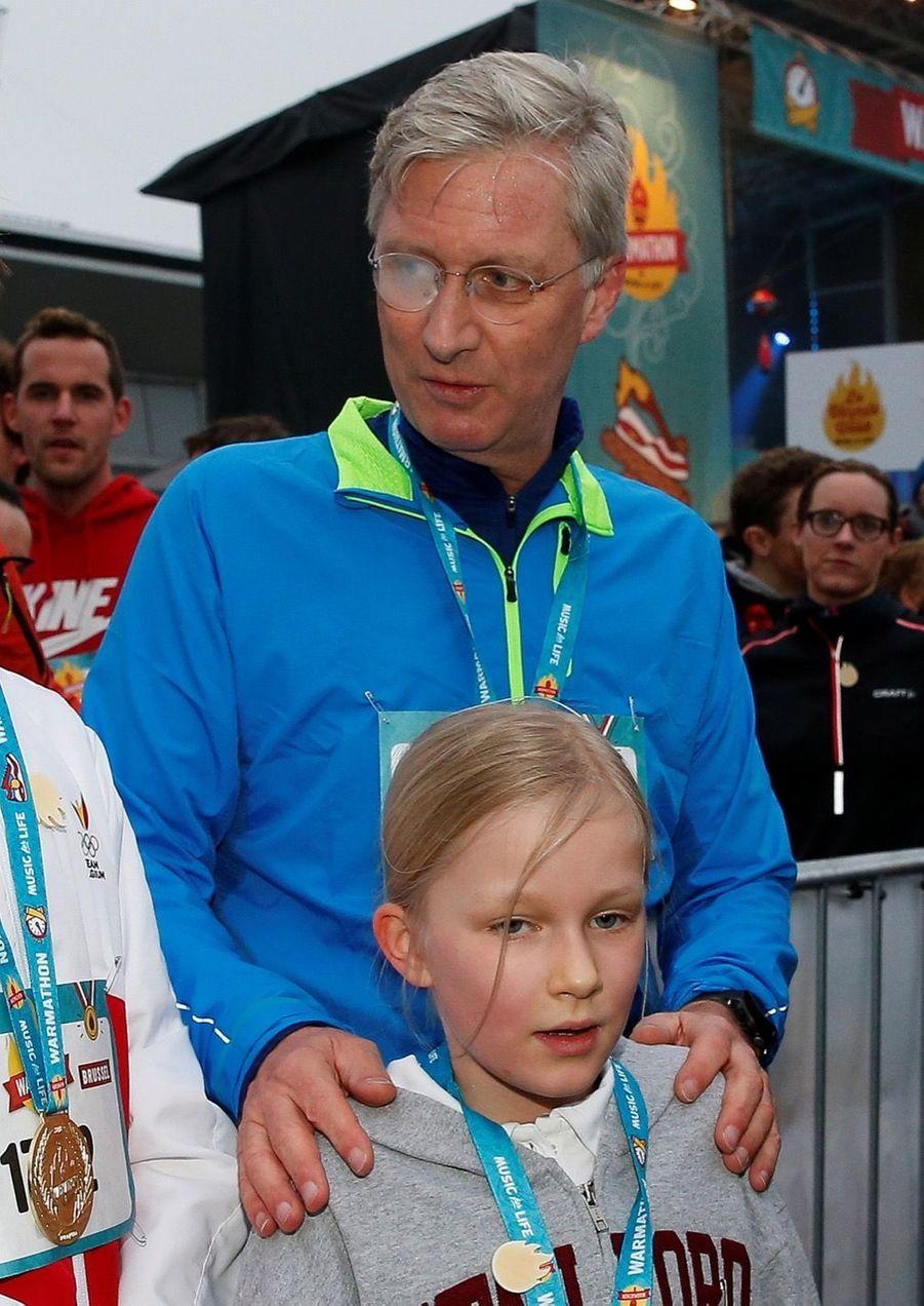 Le Roi Des Belges Philippe Participe À Un Marathon Avec Ses Enfants Le Prince Emmanuel, Le Prince Gabriel, La Princesse Éléonore 13