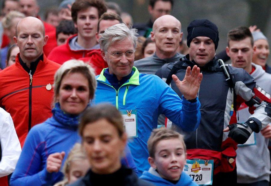 Le Roi Des Belges Philippe Participe À Un Marathon Avec Ses Enfants Le Prince Emmanuel, Le Prince Gabriel, La Princesse Éléonore 2