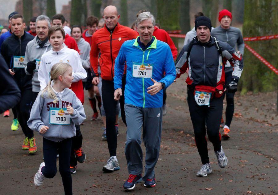Le Roi Des Belges Philippe Participe À Un Marathon Avec Ses Enfants Le Prince Emmanuel, Le Prince Gabriel, La Princesse Éléonore 3