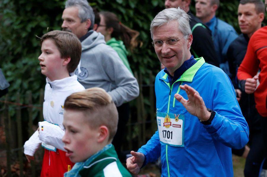 Le Roi Des Belges Philippe Participe À Un Marathon Avec Ses Enfants Le Prince Emmanuel, Le Prince Gabriel, La Princesse Éléonore 5
