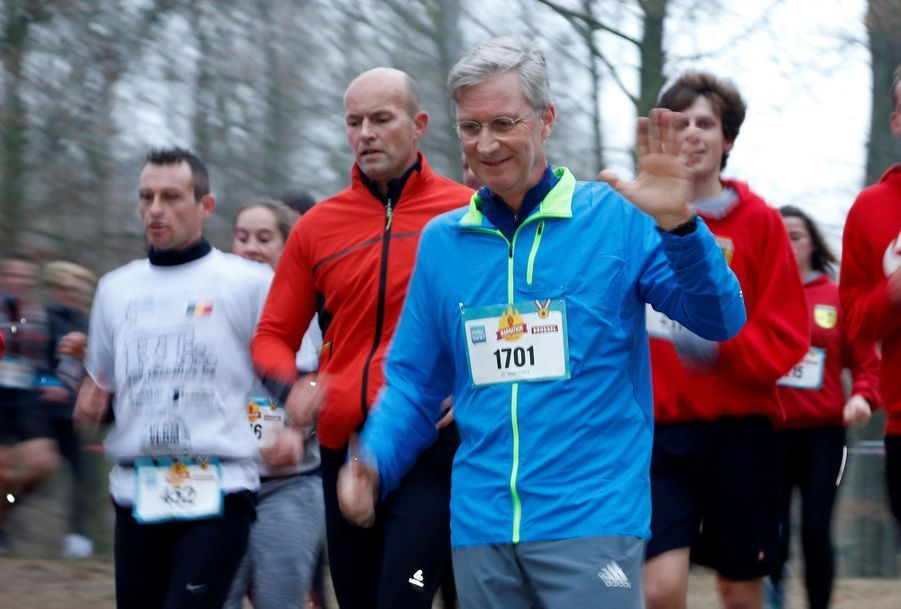 Le Roi Des Belges Philippe Participe À Un Marathon Avec Ses Enfants Le Prince Emmanuel, Le Prince Gabriel, La Princesse Éléonore 7