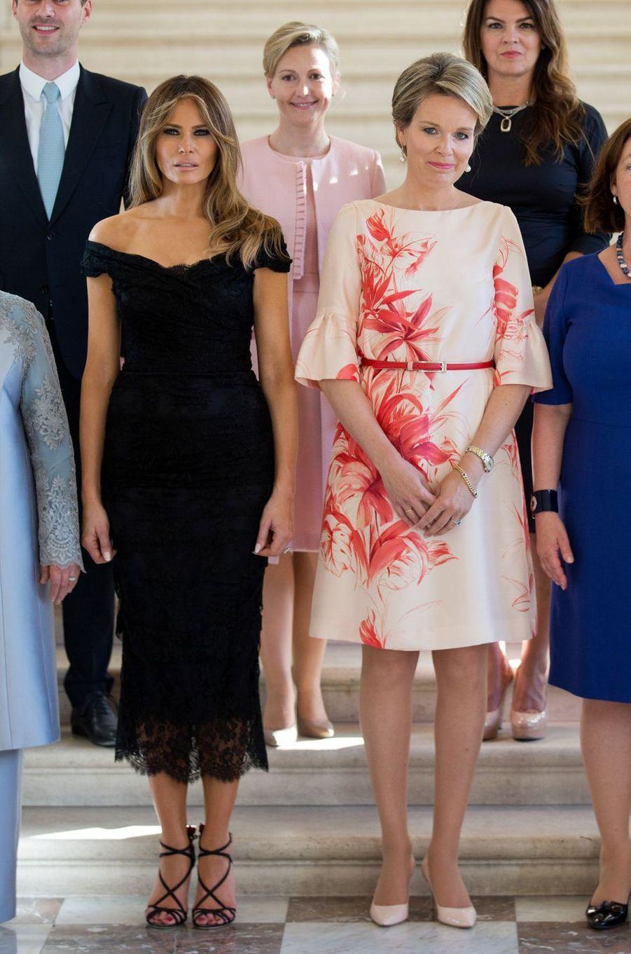 La reine Mathilde de Belgique et Melania Trump à Bruxelles, le 26 mai 2017
