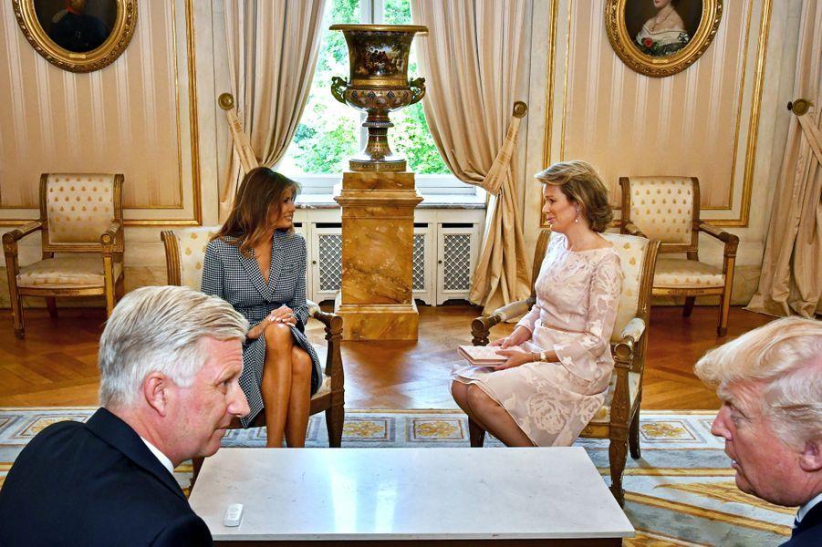 La reine Mathilde et le roi Philippe de Belgique avec Donald et Melania Trump à Bruxelles, le 25 mai 2017