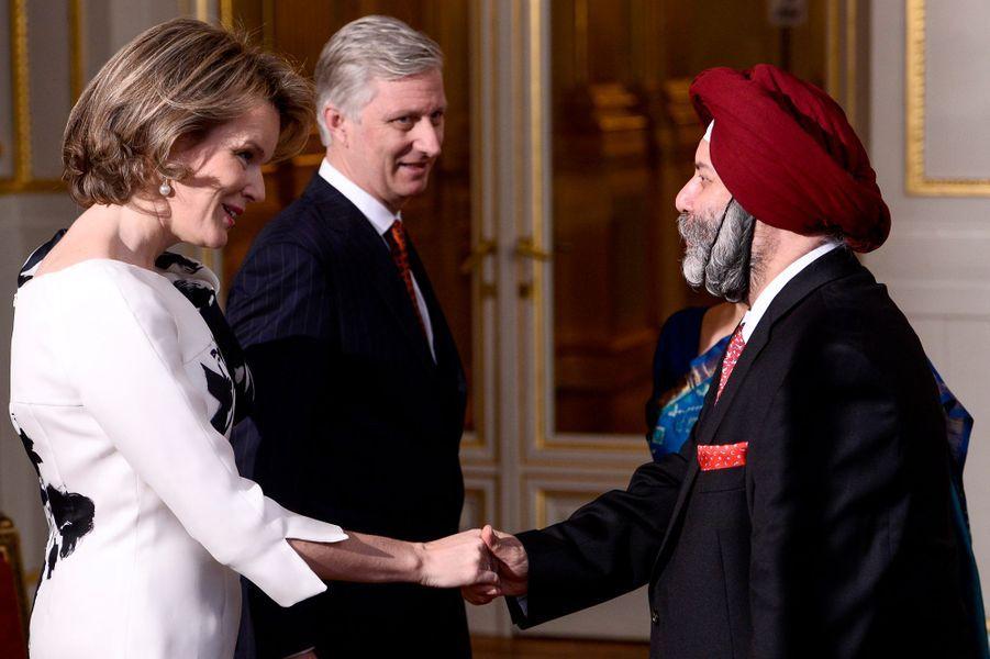 La reine Mathilde et le roi Philippe de Belgique avec l'ambassadeur d'Inde à Bruxelles, le 7 janvier 2016