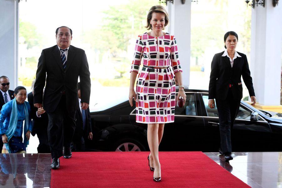 La reine Mathilde Mathilde de Belgique à Vientiane, le 20 février 2017